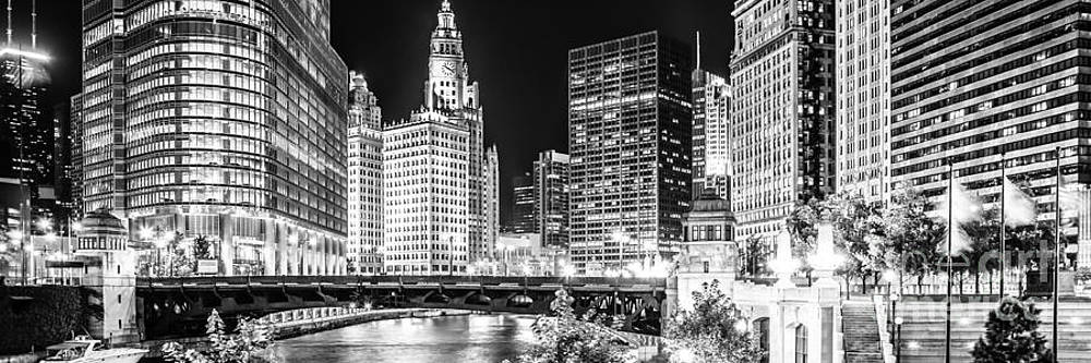 Paul Velgos - Chicago River Cityscape Panorama Photo with Wabash Bridge