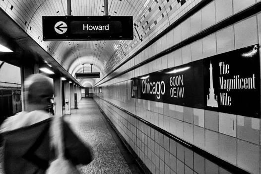 Chicago Station by Tom Gort