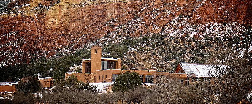 Mary Lee Dereske - Christ In The Desert Monastery
