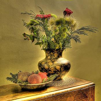 Christmas Arrangement by John Clemmer Photography