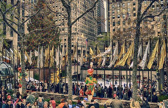 Christmas At Rockefeller Center by Kathy Jennings