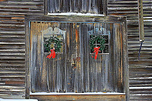 Christmas Barn Doors by Suzanne DeGeorge