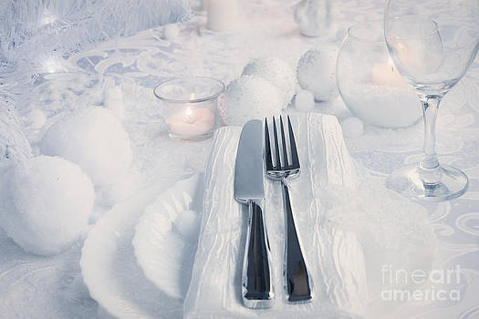 Mythja  Photography - Christmas table setting