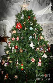 Christmas Tree by Kathleen Struckle