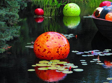 Chihuly Glass on the Water by Elaine Haakenson