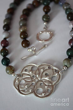 Circle Links Necklace by Carrie Godwin