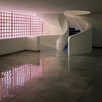 Lynn Palmer - Circular Stair and Pink Modular Screen