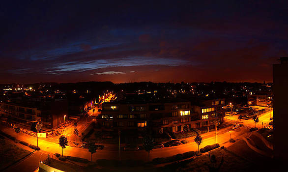 City at night by Erik Tanghe