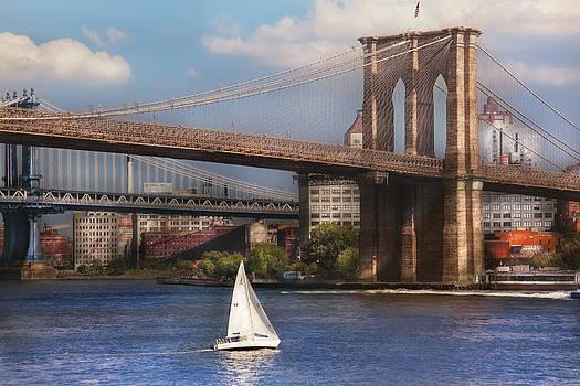 Mike Savad - City - NY - Sailing under the Brooklyn Bridge