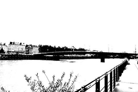 City by Thomas Leon