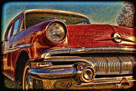 Classic Pontiac by Randy  Lee