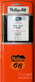 Wingsdomain Art and Photography - Classic Vintage Gilbarco Phillips 66 Gas Pump DSC02745