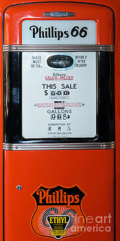 Wingsdomain Art and Photography - Classic Vintage Gilbarco Phillips 66 Gas Pump DSC02749