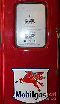 Wingsdomain Art and Photography - Classic Vintage Mobilgas Gas Pump DSC02731