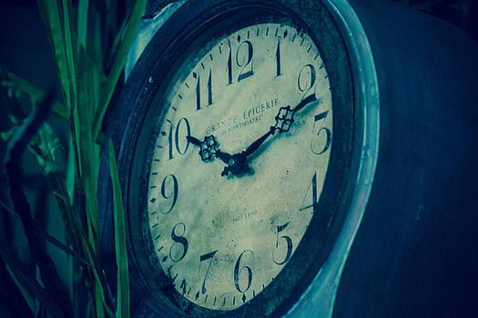 Clock by Nina Peterka