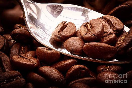 Simon Bratt Photography LRPS - Coffee beans on spoon