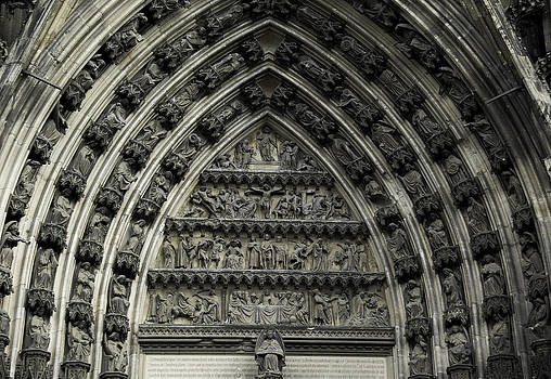Teresa Mucha - Cologne Cathedral Arch