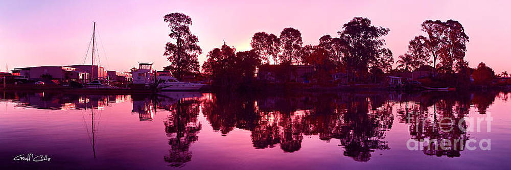 Colorful Sunrise Reflections Art  photo download and wallpaper screensaver. by Geoff Childs