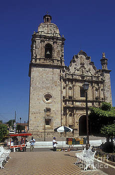 John  Mitchell - CONCORDIA CHURCH AND PLAZA Mexico