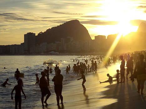 Continuos Beaches by Beto Machado