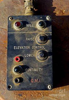Gwyn Newcombe - Control Picking