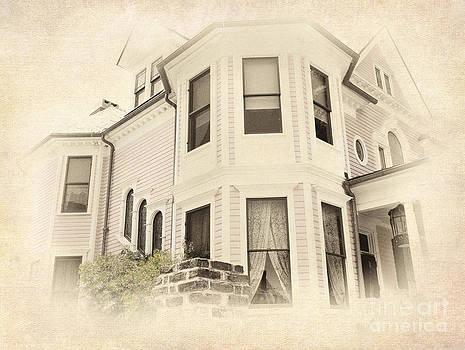 Dan Carmichael - Corner House