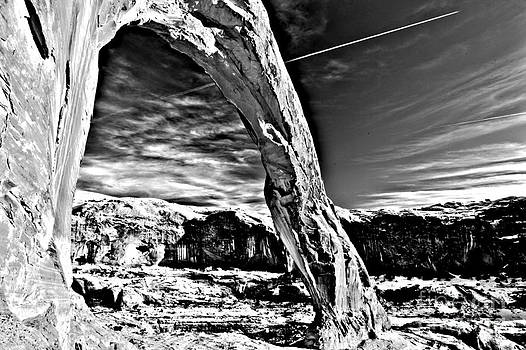 Adam Jewell - Corona In Black And White