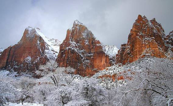 Court of the Patriarchs in snow at Zion National Park by Jetson Nguyen