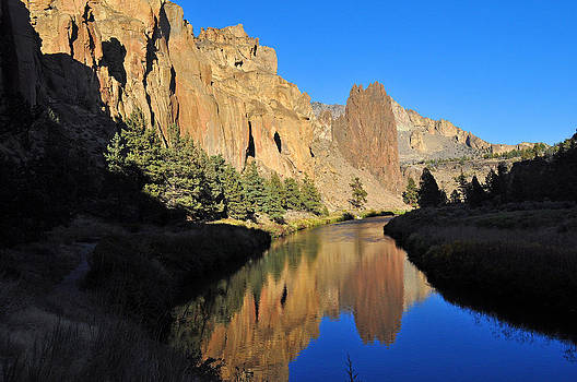 Crooked River by Thomas J Rhodes