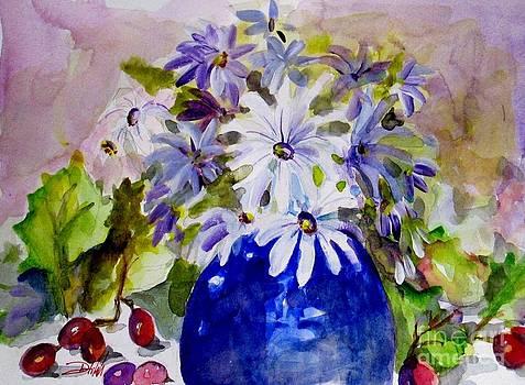 Daisy Still Life by Delilah  Smith