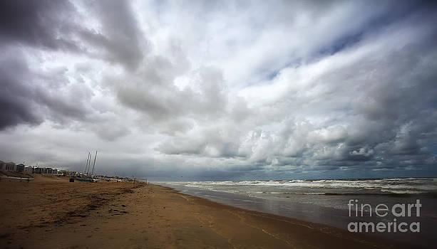 LHJB Photography - Dark days at the beach