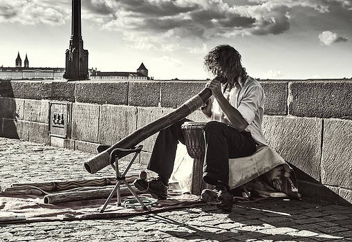Jenny Rainbow - Didgeridoo Player on The Charles Bridge. Prague