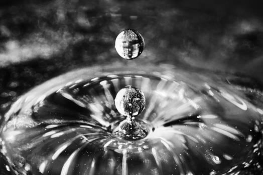 Arkady Kunysz - Disco water drop