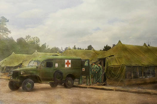 Mike Savad - Doctor - 1942 - Camp Sibert - Transferring the patient