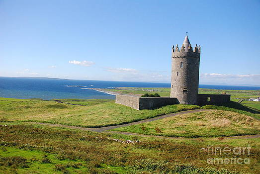Joe Cashin - Doonagore Castle - Doolin