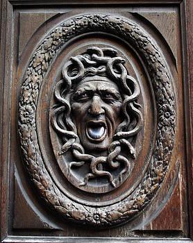 A Morddel - Door in Paris Medusa