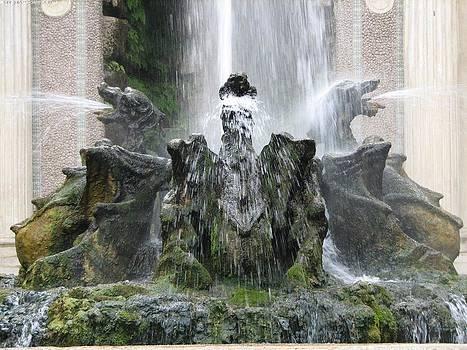 Karin Thue - Dragon Fountain