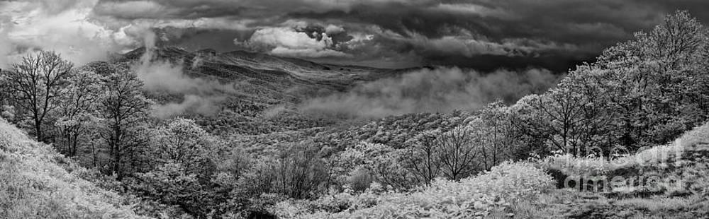 Dan Carmichael - Drama in the Blue Ridge