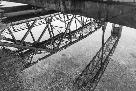 Duluth Reflection by Tom Gort