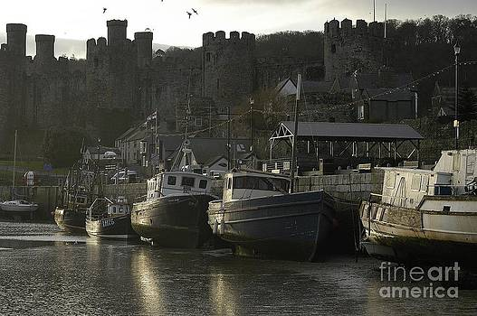 Early Morning in Conwy. by Adrian Hillyard