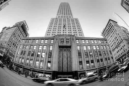 Empire State Building in Black and White by Daniel Portalatin Photography