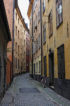 Empty street in Gampla Stan by Alex Sukonkin