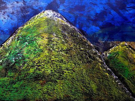 Every Mountain 162 by Aquira Kusume