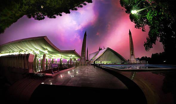 Faisal Mosque by Farhan Raza Naqvi