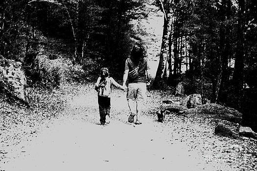 Family walk by Stefano Piccini