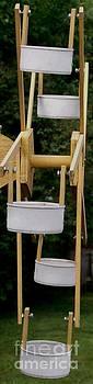 Gail Matthews - Ferris Wheel Bird Feeder 2
