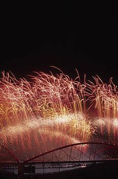 Firework II by Henrique Souto