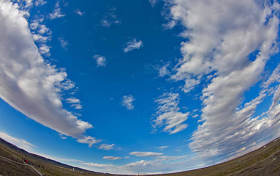 Fish-eye Sky by Jason KS Leung