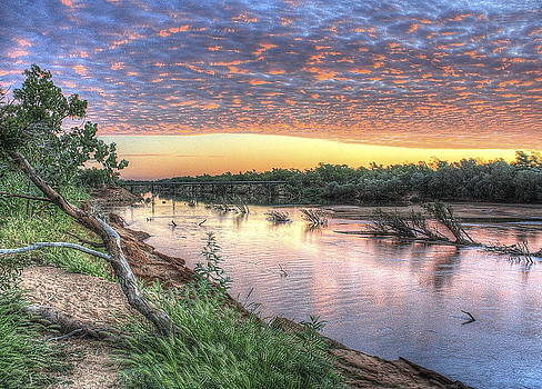 Fitzroy River by Ian  Ramsay