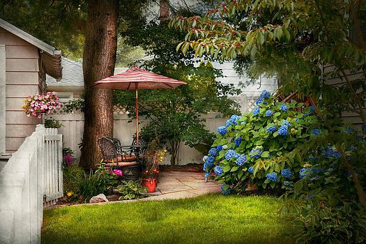 Mike Savad - Flower - Westfield NJ - Private paradise
